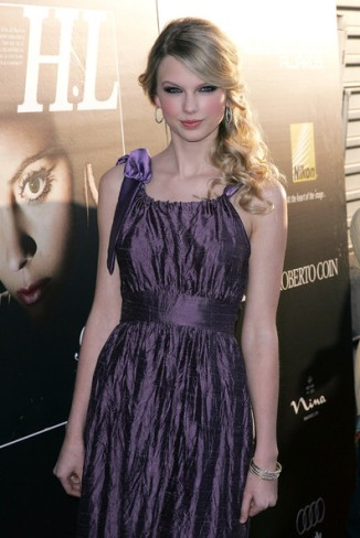 Taylor+Swift+Young+Hollywood+Awards+Arrivals+fmAmvljukqJl